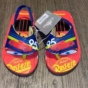 NWT Disney cars toddler boy slippers size 7/8